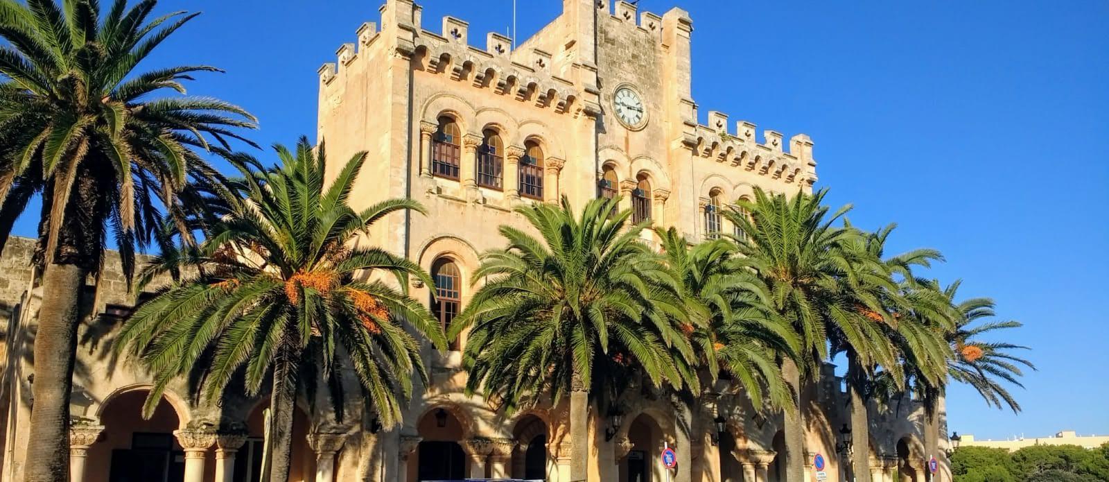 Un paseo por el casco antiguo de Ciutadella